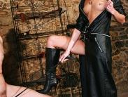 mistress-worship-14