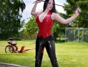 rubber-riding-domina-03