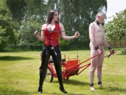 rubber-riding-domina-10
